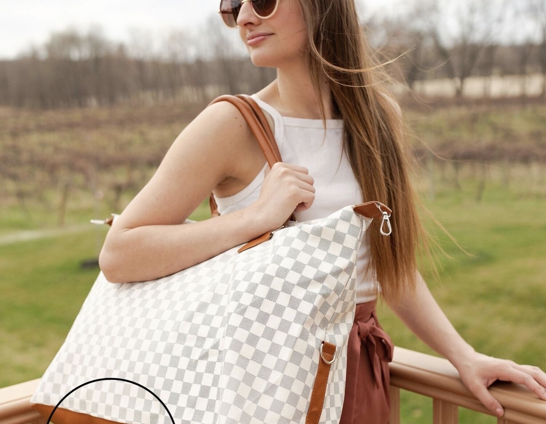 Weekender Bag Light Check