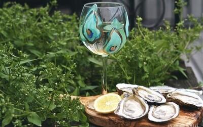 Oyster Stemmed Wine Glass Blue