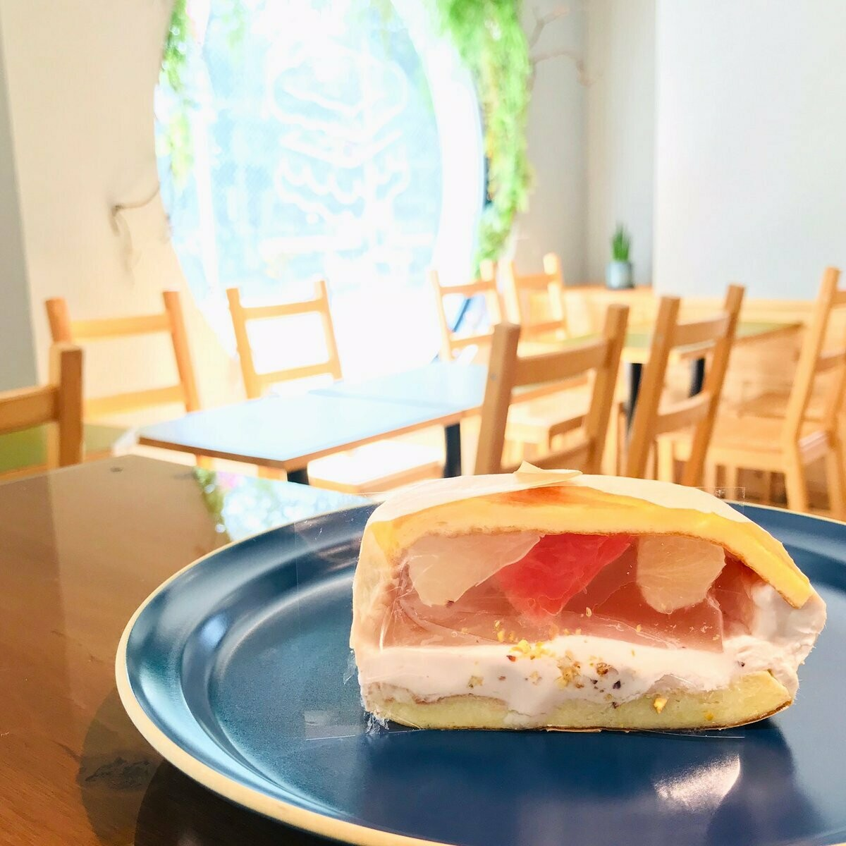 MOCMOsandwiches 柑橘ジュレとカシスクリーム(土日配達不可)