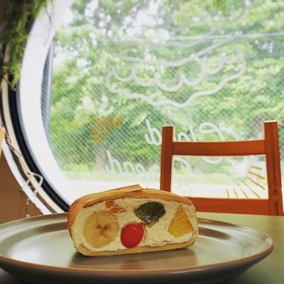 MOCMOsandwiches フレッシュフルーツのショートケーキ風(土日配達不可)