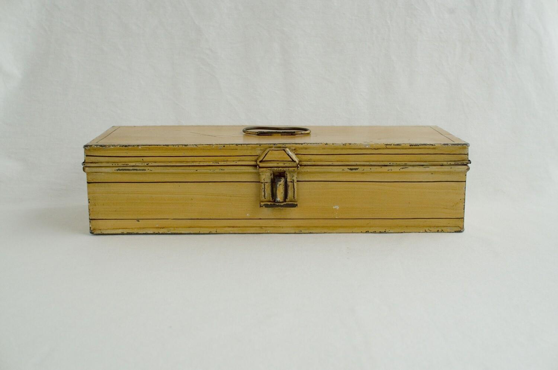 ブリキボックス 黄色/横長