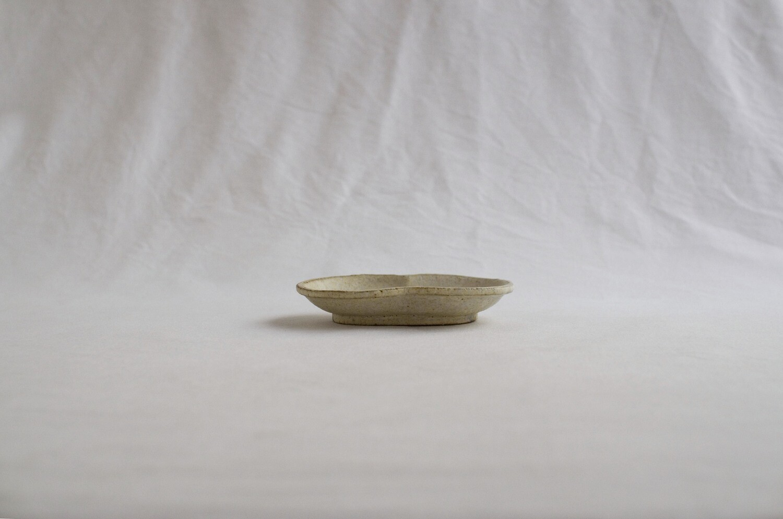 錆粉引 フタバ小皿