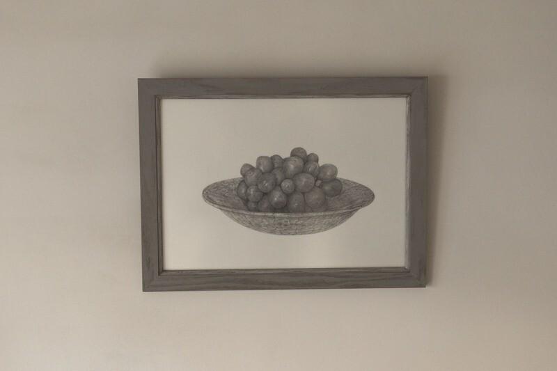 丸皿とマスカット × 白漆の額