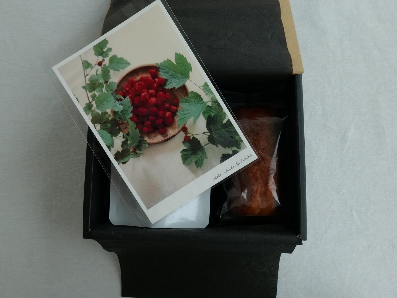 七月の菓子箱