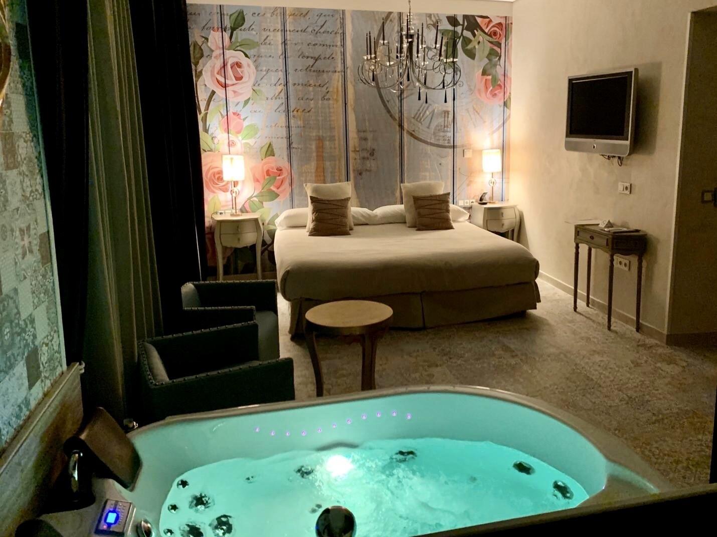 2 Noches viernes y sábado - Escapada Romántica en Suite con Jacuzzi (AHORRA 130€)