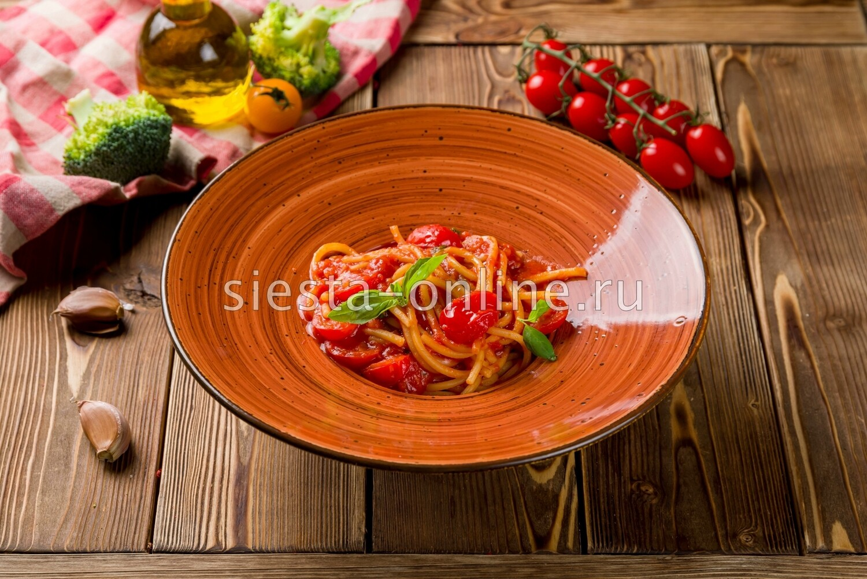 Спагетти Помодоро с черри и базиликом