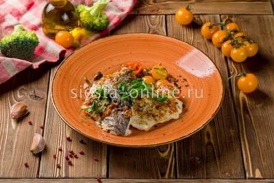 Дорадо по-лигурийски с таджасскими оливками