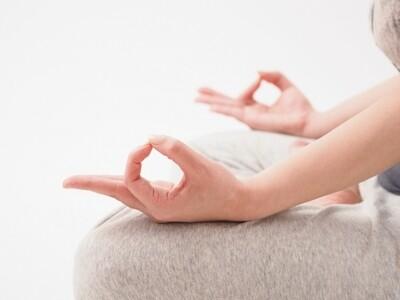 瞑想ヨガ75分|講師 Yukachi