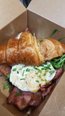 Fried Egg & Crispy Bacon Croissant