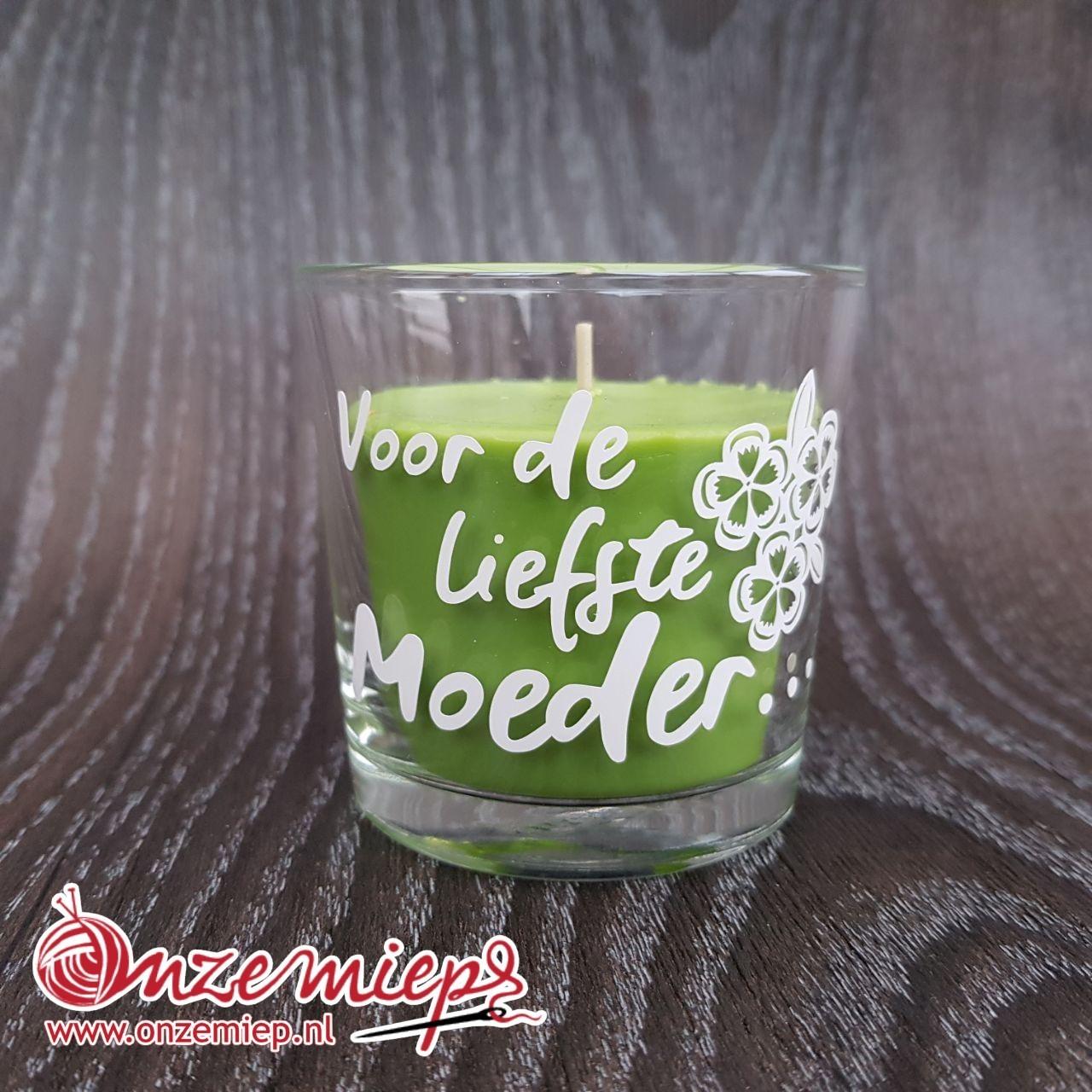 """Groene geurkaars met de tekst """"Voor de liefste moeder..."""""""