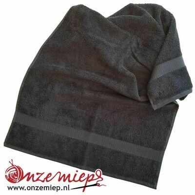 Handdoek met naam - zwart - 50 x 100 cm
