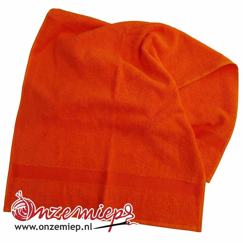 Handdoek met naam - oranje - 50 x 100 cm