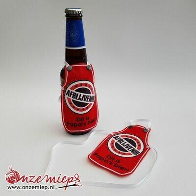 Rood schortje voor bierfles met