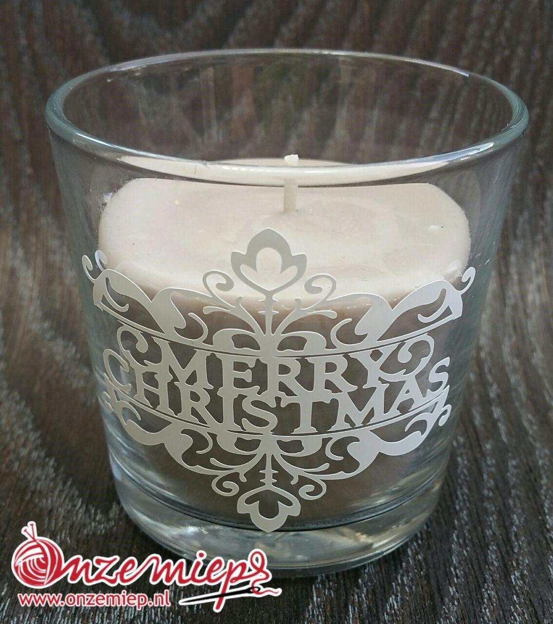 "Bruine geurkaars met de tekst ""Merry Christmas"""
