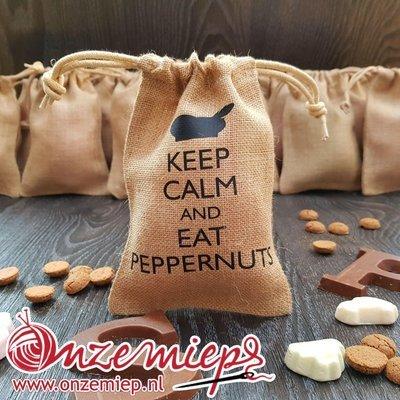 Jute pepernotenzakje voor Sinterklaas - Keep calm and eat peppernuts