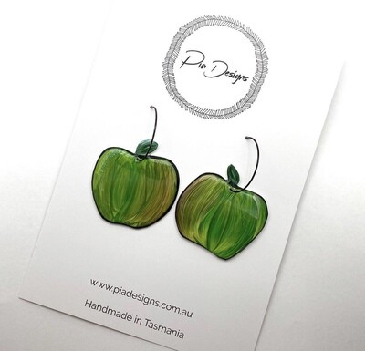 Pia designs Apple hoops