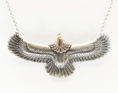 Stash Fly high necklace