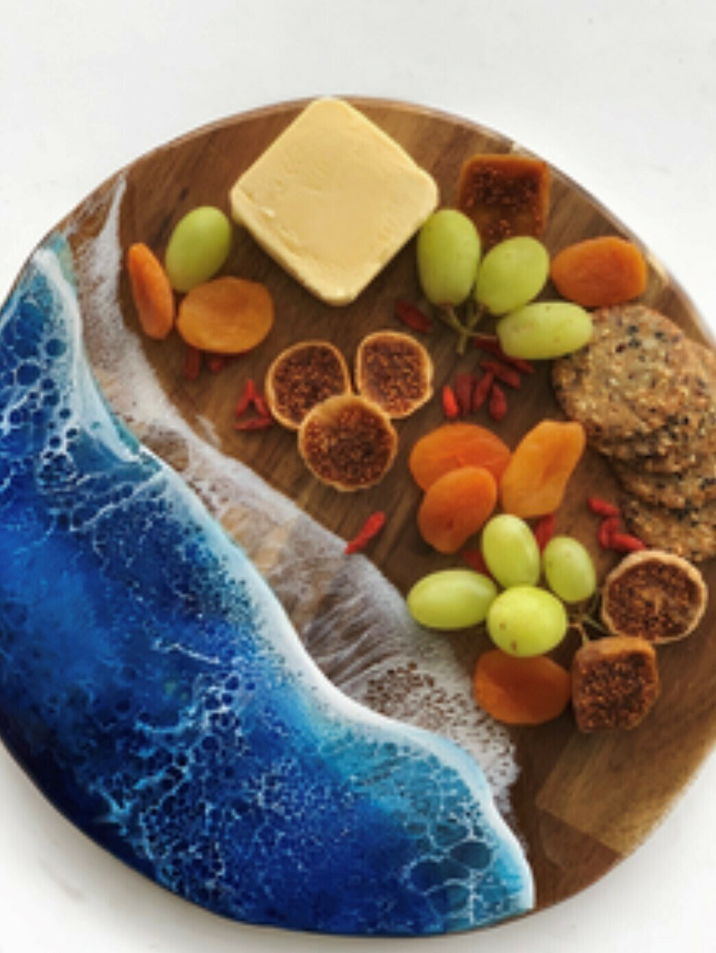 Willow & SeaAlmost Round grazing board
