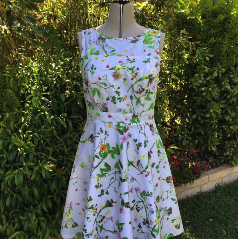 HAZELNUTT CLOTHING SPRING DELIGHT DRESS SIZE 12