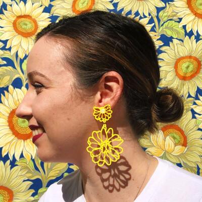 ELLIE MAY HANDMADE BEE FLOWER STUDS