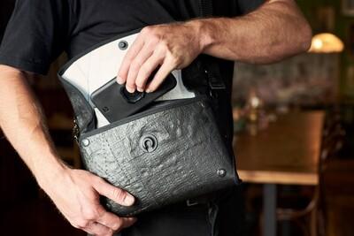 Into Carry Black Sidekick Bag