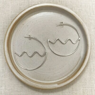 JUST MONO WAVE HOOPS SILVER
