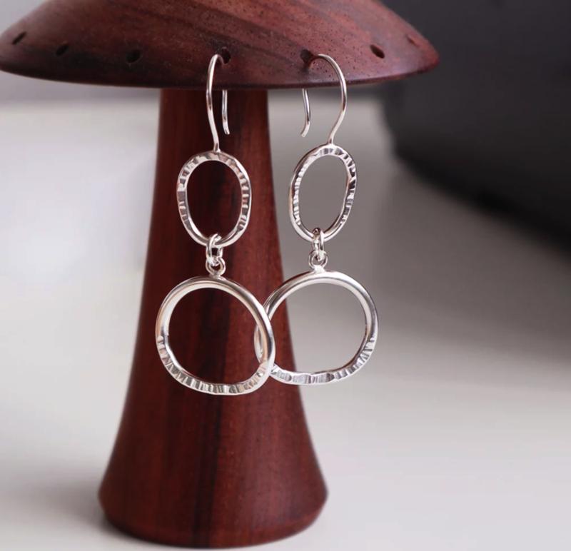 Minjimorphic Natural O Hook Earrings