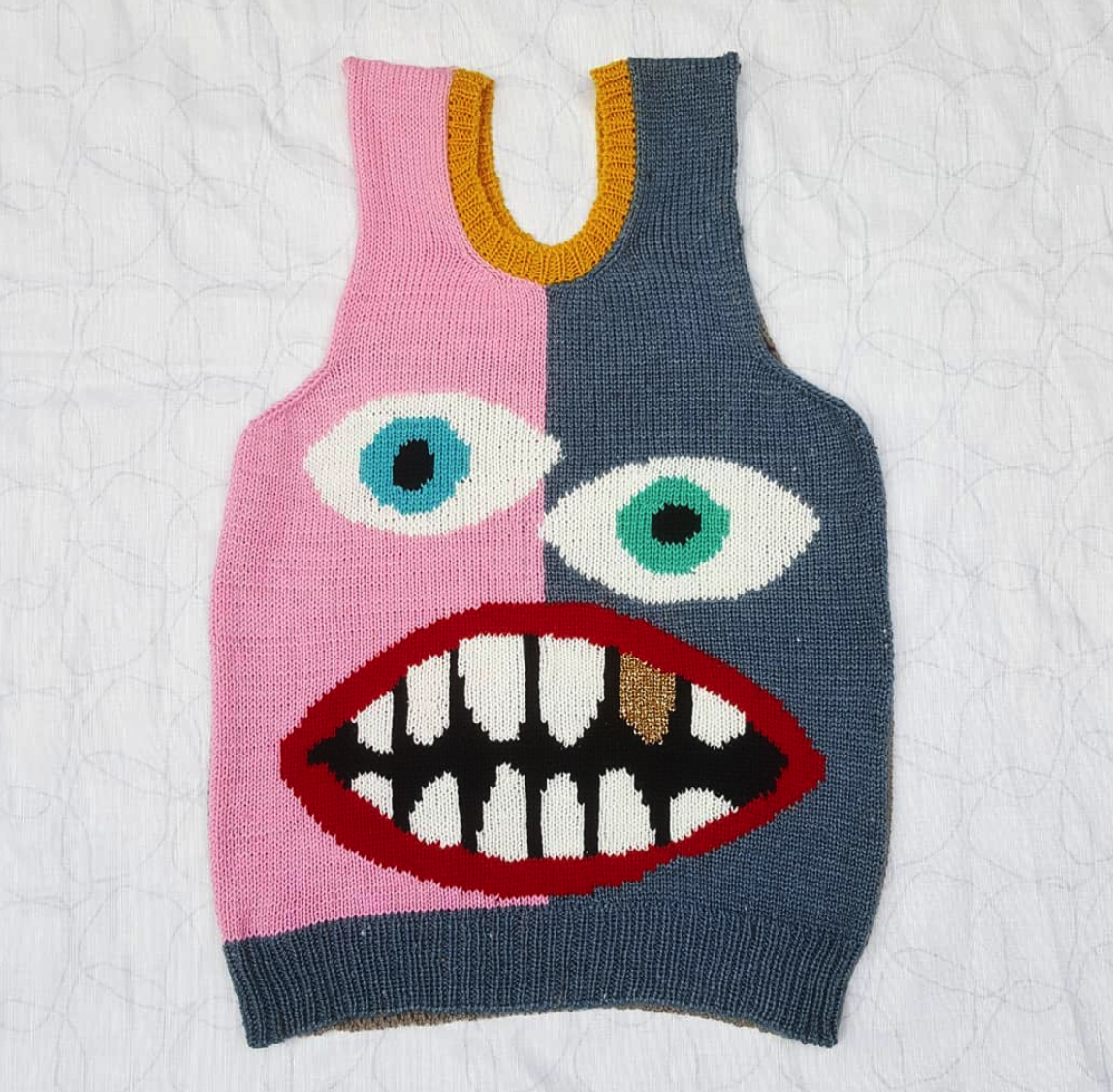 CHUNKY BOY KNITS GOLD TOOTH VEST - XL