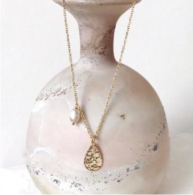 THE JEWELLERY TREE - Myla Teardrop & Pearl Necklace in Gold