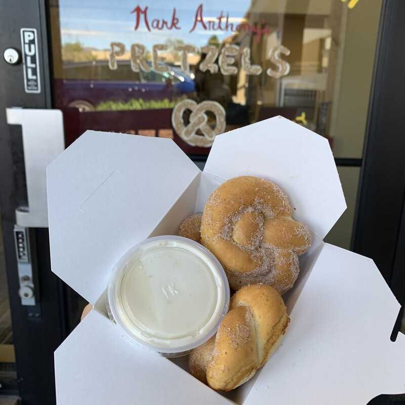 Warm Pretzel Knots with Dipping Sauce (Pickup Only)