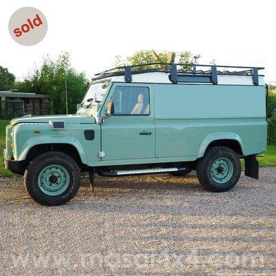 Land Rover Defender 110 300TDi Station Wagon - Grasmere Green (SOLD)