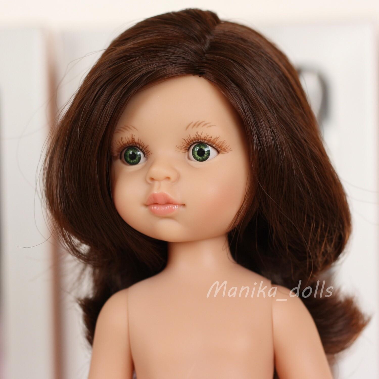 Кэрол, волнистые волосы без челки, глаза зеленые