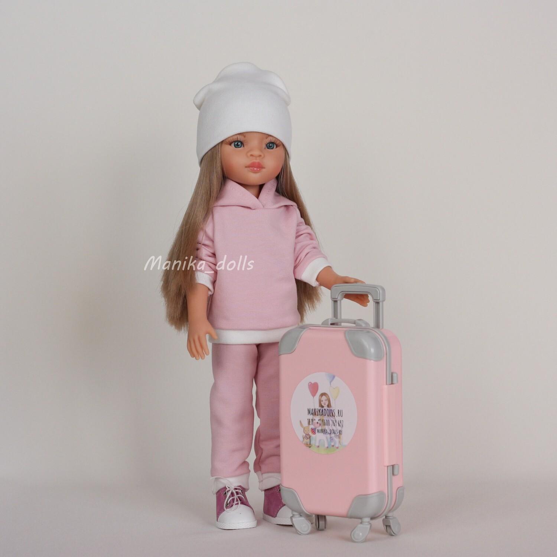Спортивный костюм светло-розовый и кеды
