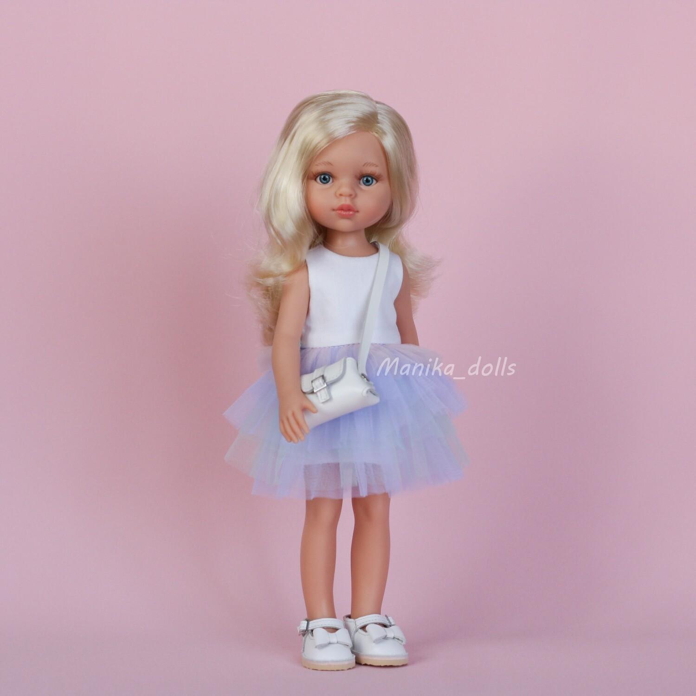 Клаудиа в модном платье и туфлях