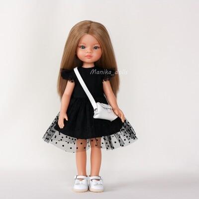 Маника в нарядном платье и туфлях