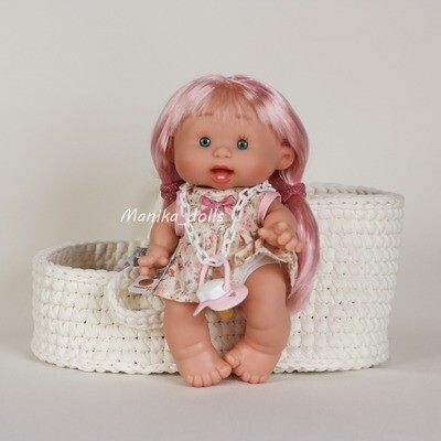 Пупс с длинными розовыми волосами