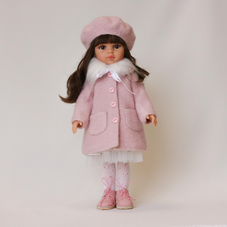 Пальто с беретом и ботинки