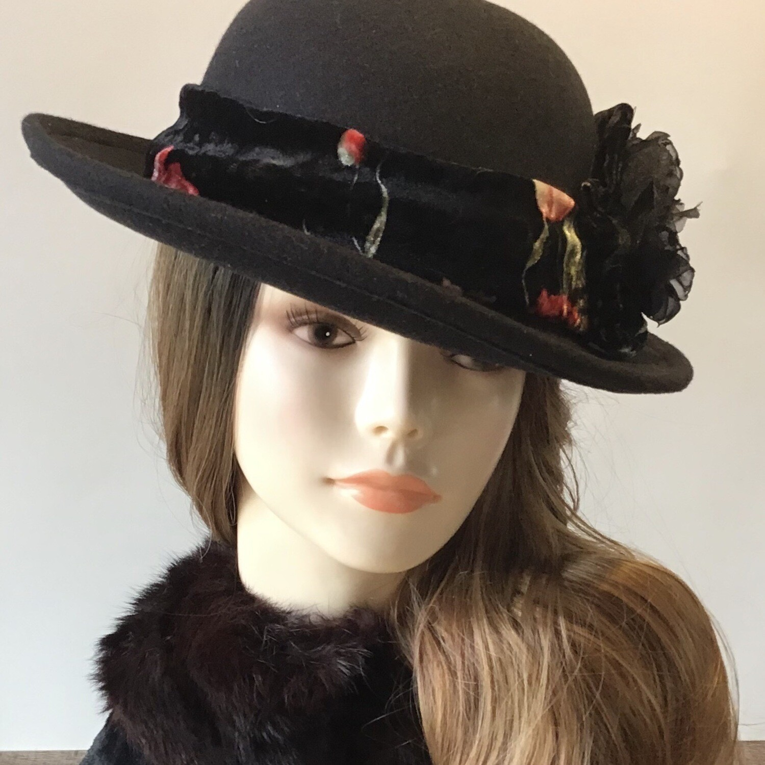 Black Wool Round Crown Small Roller Hat