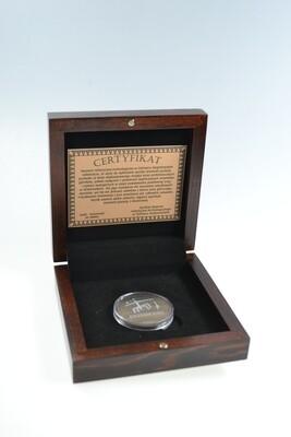 Medal krzemienny w drewnianym etui