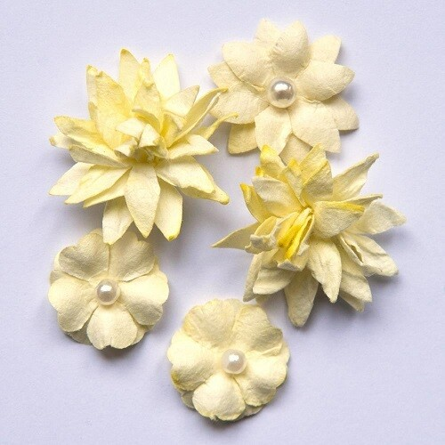 49 and Market - Creme Mini Flower Packs (5 pieces)