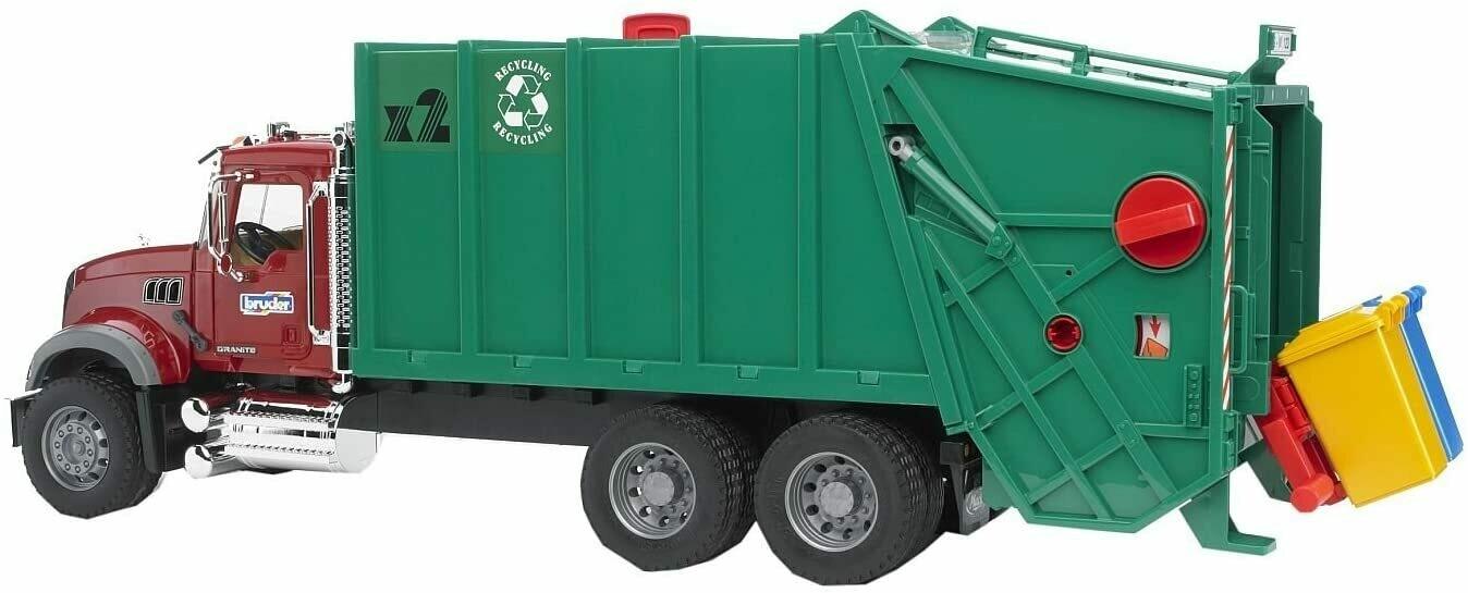 BRUDER; Mack Granite Garbage Truck