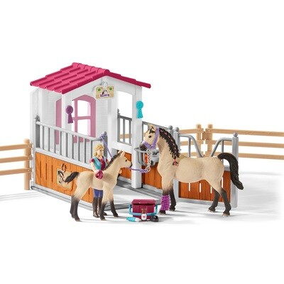 Schleich: Horse Club - Stall With Arab Horses and Groom