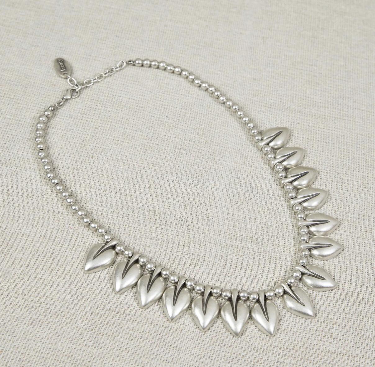 Treaty Tulip Necklace