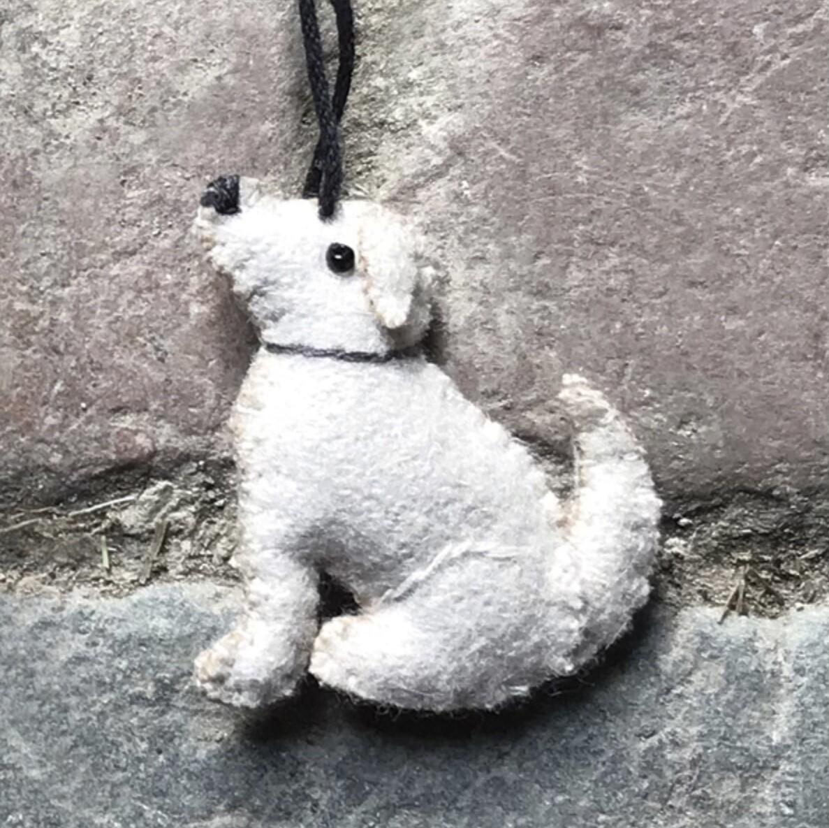 East of India Felt Hanging Cream Labrador