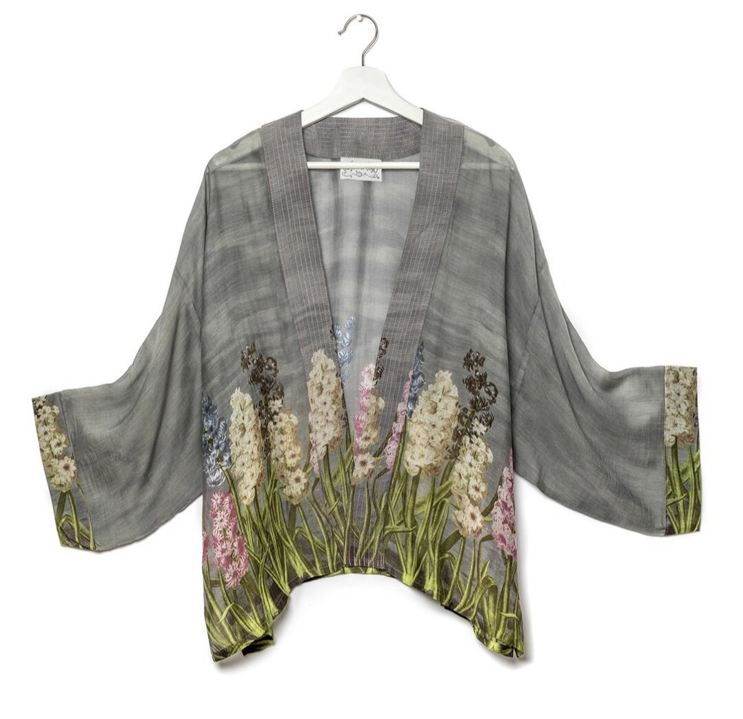 One Hundred Stars Kimono Hyacinth Grey