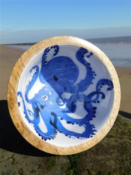Octopus nut bowl