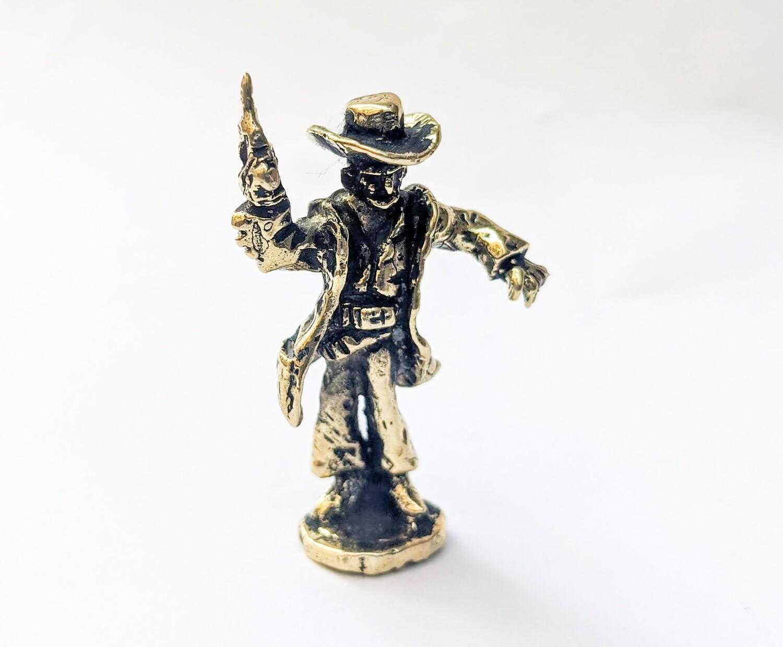 Gunfighter Figurine
