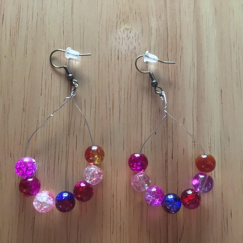 Peardrop earrings, crackle glsss beads
