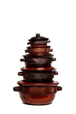 Set of 5 Clay pots
