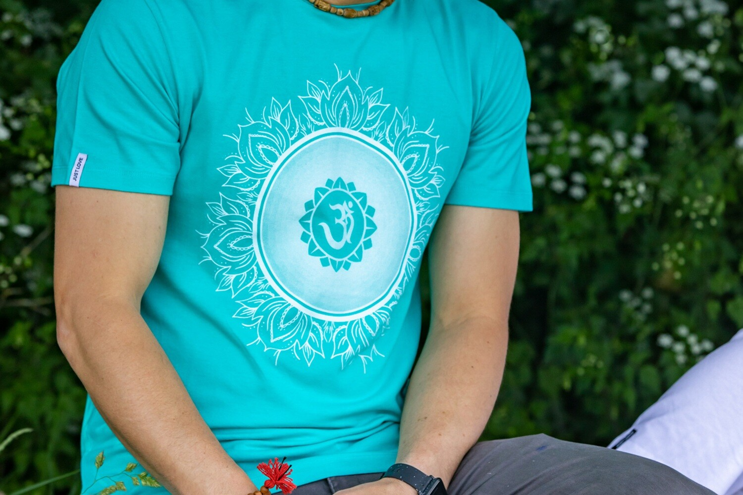 T-shirt 'OM Chanting' - turquoise